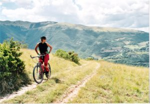 Mountain_bike_ParcoSibillini.jpg